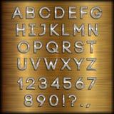 Vector le lettere, le cifre e la punteggiatura rivestite d'argento dell'alfabeto su fondo spazzolato rame Immagini Stock