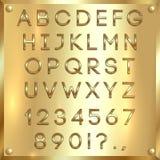 Vector le lettere, le cifre e la punteggiatura rivestite dorate dell'alfabeto sul fondo dell'oro Fotografia Stock Libera da Diritti