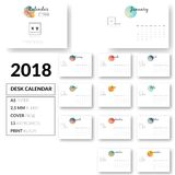Vector limpio del diseño 2018 de la plantilla del calendario de escritorio Imágenes de archivo libres de regalías