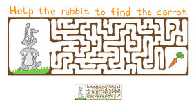 Vector Maze, Labyrinth with Rabbit  and Carrot Royalty Free Stock Photography