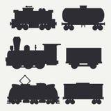 Vector moderne en uitstekende die treinensilhouetten met ladingswagens en tank worden geplaatst Stoom, diesel en elektrische loco royalty-vrije illustratie