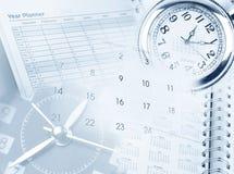 Vector moderne illustratie in vlakke stijl met de mannelijke chronometer van de handholding Stock Fotografie