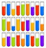 Multicolored reageerbuizen met vloeistoffen op verschillende niveaus Royalty-vrije Stock Foto's