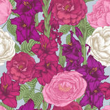 Vector nahtloses mit Blumenmuster mit Hand gezeichneten Gladioleblumen und -rosen Stockbild