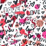 Vector nahtloses Muster mit Hand gezeichneten Herzen und Wortliebe Skizzierte Tintenschwarzweiss-ikonen und Aquarellflecke Lizenzfreie Stockfotos