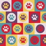 Vector nahtloses Muster mit Katzen- oder Hundeabdrücken Nettes colorfu Lizenzfreie Stockfotografie