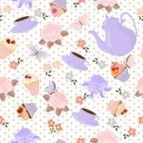 Vector nahtloses Muster mit Tee, Rosen, Gänseblümchen, Schmetterlinge Stockfoto