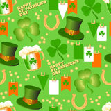 Vector nahtloses Muster St. Patrick Day auf einem grünen Hintergrund Stockbild