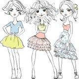 Vector nette Modemädchen in den T-Shirts und in den Röcken stock abbildung