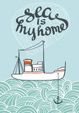 Vector o cartaz tirado mão do mar da tipografia com navio e ondas Foto de Stock