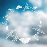 Vector o fundo borrado com céu e borboletas, pássaros, nuvem Fotografia de Stock Royalty Free