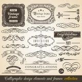 Vector o quadro do canto da beira do elemento e a coleção caligráficos do convite Elementos tipográficos da decoração, etiquetas