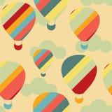 Vector o teste padrão sem emenda com os balões de ar quente coloridos no céu Imagens de Stock Royalty Free