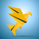 Vector origami flying bird Royalty Free Stock Photos