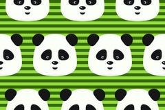 Vector a panda engraçada do teste padrão sem emenda no fundo das listras do verde Fotos de Stock