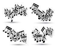 Vector pautas musicais onduladas alegres pretas com notas musicais no backg branco Fotografia de Stock