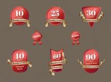 Vector: Reeks van het kenteken van de Verjaardagsviering in rood en gouden Stock Afbeelding