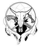 Vector Schwarzweiss-Skizze einer Tätowierung, der Stierschädelkuh auf dem Hintergrund von Dreamcatcher, der Axt und der Muskete,  Stockfoto