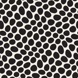 Vector Seamless Black and White Distorted Circles Pattern Stock Photography