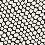 Vector Seamless Black and White Distorted Circles Pattern Royalty Free Stock Photography
