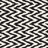 Vector Seamless Black and White Rounded Rough Hand Painted ZigZag Lines Pattern Royalty Free Stock Photos