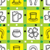 Vector seamless pattern with dotted lucky four leaf clover or shamrock, hat, beer glass, pot of coins and horseshoe. Royalty Free Stock Photos