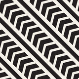 Vector seamless zigzag line pattern. Abstract geometric background. Repeating monochrome lattice background Royalty Free Stock Images