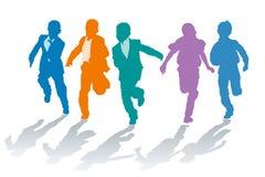 De jongens die van de school in snelheid concurreren Stock Afbeeldingen