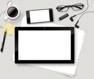 Vector Spitzenbürotisch mit Tasse Kaffee, Papiere, Bleistift, Tablette Lizenzfreie Stockfotos