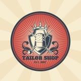 Vector uitstekende illustratie van kenteken, sticker, teken voor kleermakerss winkel met een naald en vingerhoedje stock illustratie