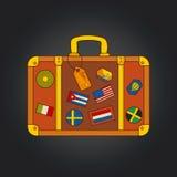 Vector uitstekende koffer met stickers royalty-vrije illustratie
