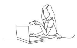 Vector una línea ejemplo de una mujer joven delante de un ordenador portátil, celebrando una tarjeta de crédito Dibujo lineal con stock de ilustración