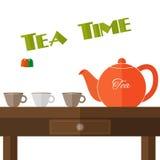Vector völlig flache Teekannenillustration mit Satz Schalen in den Farben Lizenzfreie Stockbilder