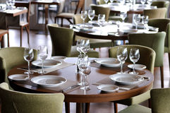 Vector vacío en un restaurante de 5 comienzos Imagenes de archivo