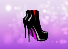 Vector van amulet de rode en zwarte schoenen op roze vage achtergrond 3D vrouwenlaarzen op hoge hielen Royalty-vrije Stock Foto