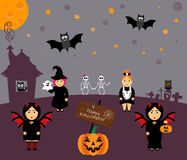 Vector voor Halloween in beeldverhaalstijl die wordt geplaatst Pompoen, spook, uil, knuppel, Web, skelet Meisje in kostuums vier Royalty-vrije Stock Foto