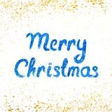 Vector Vrolijke Kerstkaart met waterverf het van letters voorzien en gouden sneeuwval Stock Afbeelding