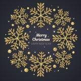 Vector Vrolijke Kerstmis en de Gelukkige kaart van de Nieuwjaargroet Gouden sneeuwvlokken op zwarte achtergrond Stock Foto