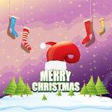 Vector Weihnachtsgrußkarte mit rotem Sankt-Hut, Weihnachtsbäume, Schnee, Nachtsternenklarer Himmel, schneebedeckte Landschaft des Lizenzfreie Stockfotos