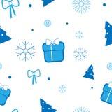 Vector Weihnachtsmuster mit Weihnachtsbaum, Geschenken, Bögen und Schneeflocken auf hellem Hintergrund Stockfotos