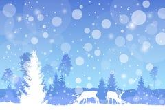 Vector Winter Weihnachtsbewaldete Landschaft in der blauen Farbe mit Schneefalleffekt Stockbild