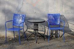 Vector y sillas del café Fotos de archivo
