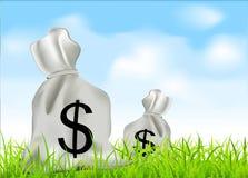 Vector zakken geld tegen de blauwe hemel Stock Afbeeldingen