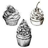 Vector zwart-wit achtergrond Hand getrokken zoete cupcakesinzameling met aardbei en kers Reeks voor groetkaart, prentbriefkaar of Royalty-vrije Stock Afbeelding
