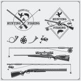 Vectorelementen voor wijnoogst die en visserijclub jagen Etiketten, emblemen en ontwerpelementen Kanonnen, staven en de jachthoor royalty-vrije illustratie