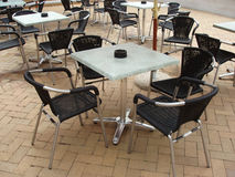 Vectores y sillas de Café fotografía de archivo libre de regalías