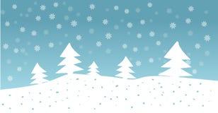 Vectorhand getrokken illustratie van bos met sneeuwval in blauwe hemel Stock Foto's