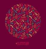 Vectorhand getrokken illustratiekaart met de tekstzomer Bloemenpatroon in vorm van cirkel met verschillende bloemen, vogel enz. royalty-vrije illustratie