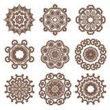 Vectorhand getrokken schets van mandalaillustratie op witte achtergrond royalty-vrije illustratie