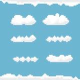 Vectorhemel met de kunstachtergrond van het wolkenpixel Stock Fotografie